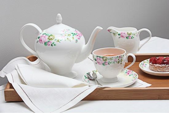 Чайный сервиз из костяного фарфора