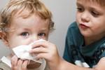 Как научить ребёнка высмаркиваться
