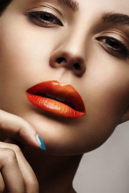 Как необычно накрасить губы