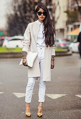 Как носить белую рубашку женщине