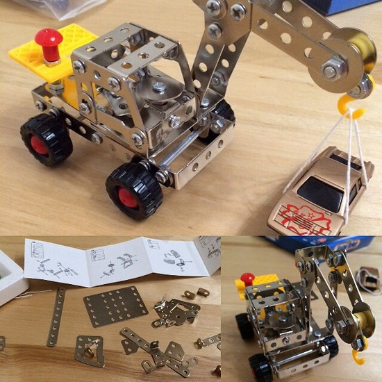 Металлический конструктор для детей