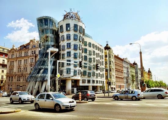 Оптическая иллюзия в архитектуре