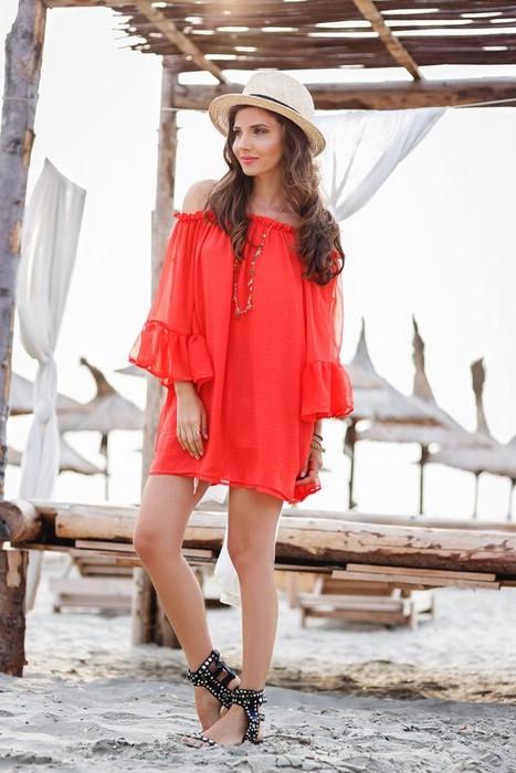 Как носить одежду кораллового цвета