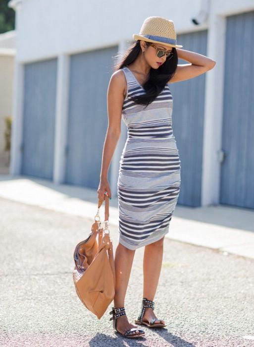 С чем носить платья в полоску