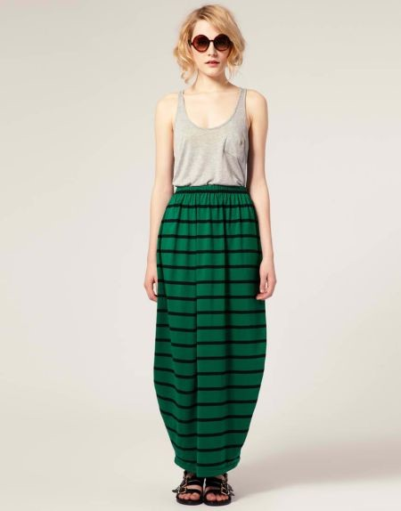 С чем сочетать юбку в полоску