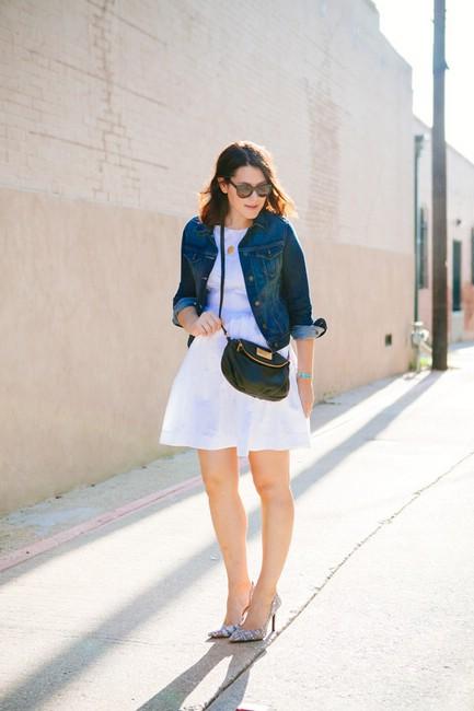 Джинсовая куртка и юбка