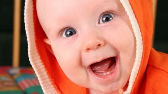 У ребенка режутся зубки