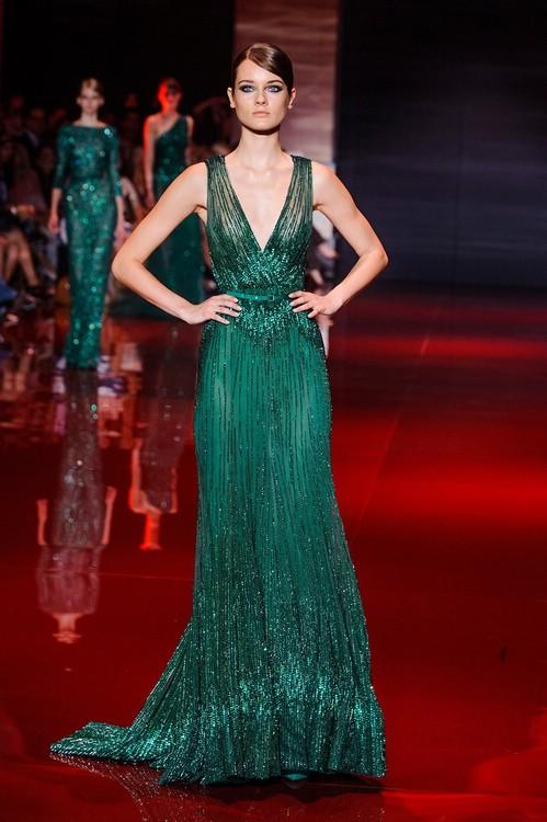 Вечернее платье в зелёном цвете